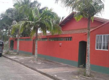 Casa · 240m² · 5 Quartos · 6 Vagas
