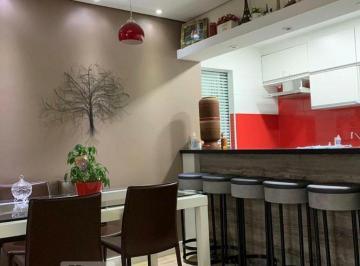 Apartamento · 70m² · 3 Quartos · 2 Vagas