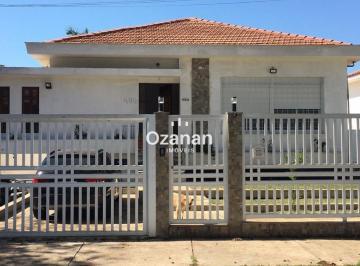Casa · 300m² · 4 Quartos · 5 Vagas
