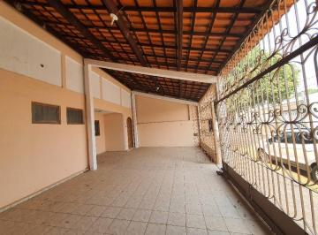 Casa · 170m² · 3 Quartos · 4 Vagas