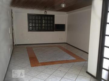 Casa · 240m² · 4 Quartos · 2 Vagas