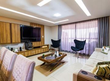 Apartamento · 194m² · 4 Quartos · 2 Vagas