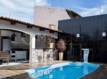 Casa · 350m² · 4 Quartos · 4 Vagas