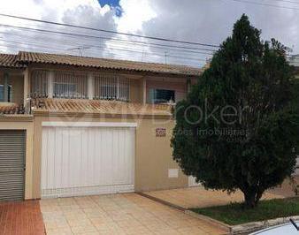Casa · 265m² · 4 Quartos · 4 Vagas