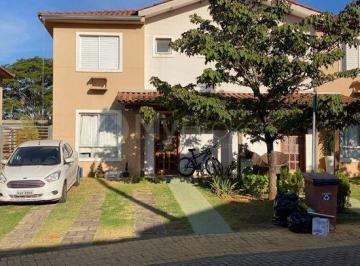 Casa · 210m² · 3 Quartos · 2 Vagas