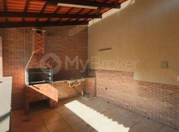 Casa · 381m² · 4 Quartos · 4 Vagas