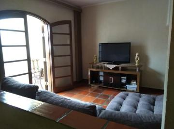 Casa · 125m² · 3 Quartos · 4 Vagas