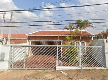 Casa · 222m² · 3 Quartos · 3 Vagas