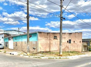 Casa · 190m² · 6 Quartos · 4 Vagas