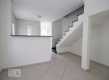Casa · 82m² · 2 Quartos