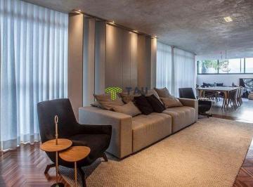 Apartamento · 238m² · 3 Quartos · 4 Vagas
