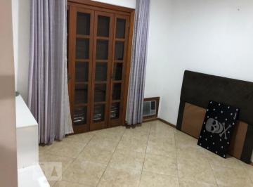 Casa · 220m² · 5 Quartos · 3 Vagas