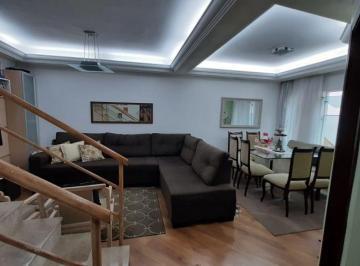 Casa · 135m² · 3 Quartos · 3 Vagas