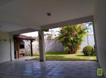 Casa · 412m² · 3 Quartos · 6 Vagas