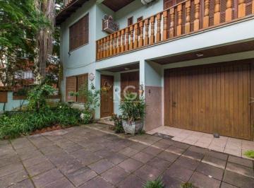 Casa · 250m² · 4 Quartos · 4 Vagas