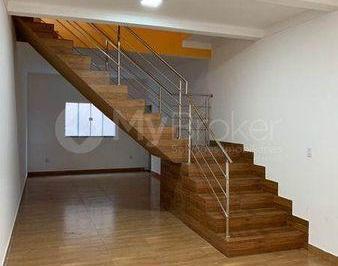 Casa · 660m² · 4 Quartos · 4 Vagas