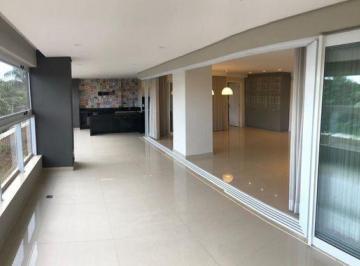 Apartamento · 252m² · 4 Quartos · 3 Vagas