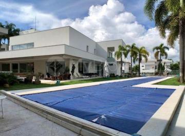Casa · 690m² · 4 Quartos · 4 Vagas
