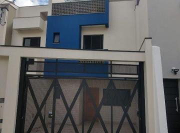 Casa · 113m² · 3 Quartos · 2 Vagas