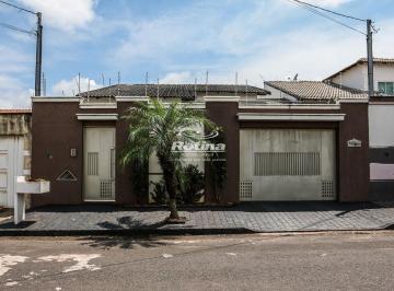 Casa · 237m² · 3 Quartos · 3 Vagas