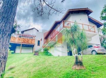 Casa · 240m² · 3 Quartos · 12 Vagas