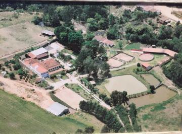 Rural · 9 Quartos · 3 Vagas