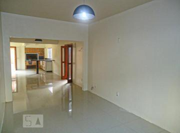 Casa · 250m² · 3 Quartos · 4 Vagas