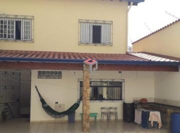 Casa · 380m² · 3 Quartos · 8 Vagas