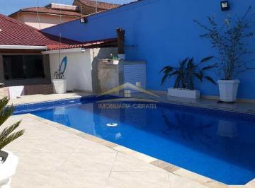 Casa · 220m² · 5 Quartos · 5 Vagas