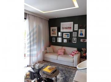 Apartamento · 136m² · 4 Quartos