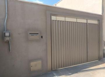 Casa · 93m² · 2 Quartos · 2 Vagas