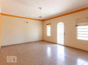 Casa · 85m² · 4 Quartos · 3 Vagas