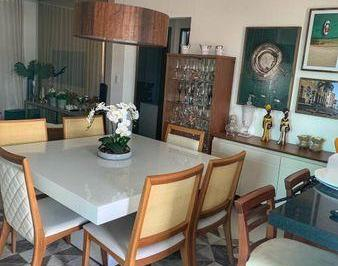 Apartamento · 138m² · 2 Quartos · 2 Vagas