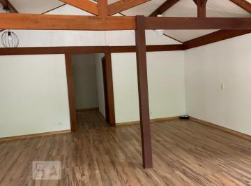 Casa · 180m² · 4 Quartos