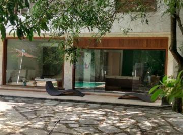 Casa · 605m² · 5 Quartos · 4 Vagas