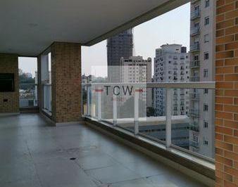 Apartamento · 217m² · 4 Quartos · 4 Vagas