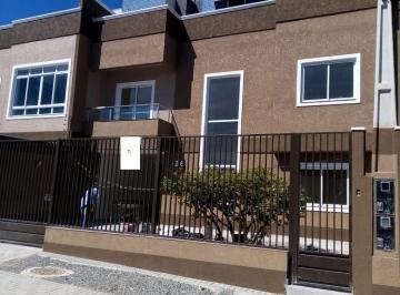 Casa · 140m² · 4 Quartos · 2 Vagas