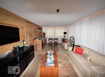 Apartamento · 172m² · 4 Quartos