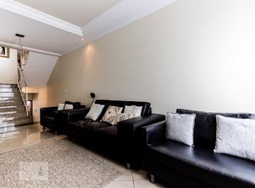 Casa · 220m² · 3 Quartos