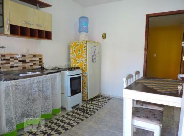 Casa · 50m² · 1 Quarto · 1 Vaga