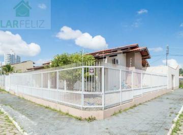 Casa · 103m² · 3 Quartos · 2 Vagas
