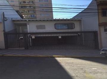 Casa · 140m² · 3 Quartos · 4 Vagas