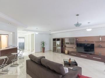 Casa · 500m² · 5 Quartos · 10 Vagas