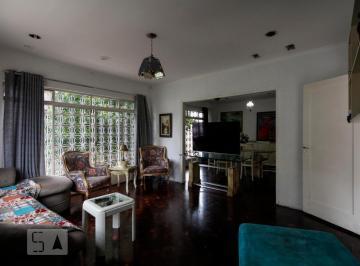 Casa · 120m² · 3 Quartos