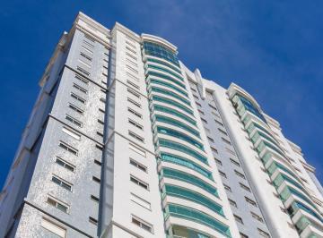 Apartamento · 249m² · 4 Quartos · 3 Vagas