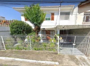 Casa · 191m² · 3 Quartos · 4 Vagas