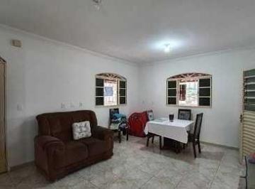 Casa · 340m² · 4 Quartos · 6 Vagas
