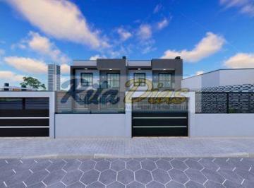 Casa · 112m² · 3 Quartos · 2 Vagas