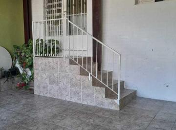 Casa · 118m² · 2 Quartos · 2 Vagas