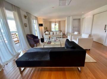Apartamento · 261m² · 3 Quartos · 4 Vagas